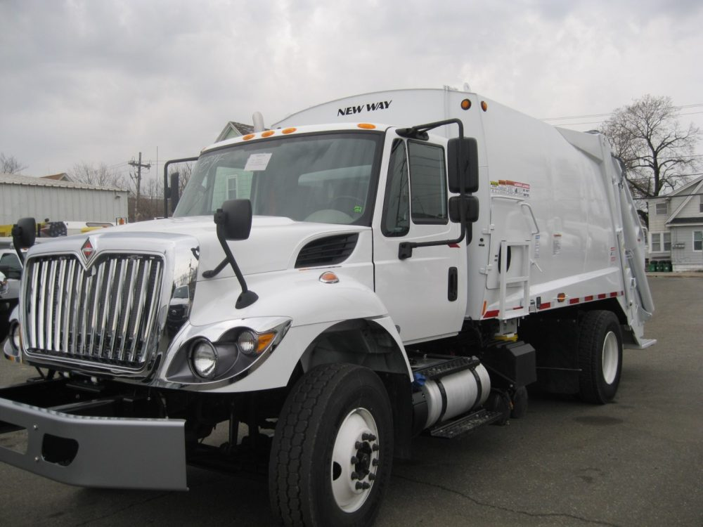 New Way Trash Truck 1 - Garbage & Refuse Trucks