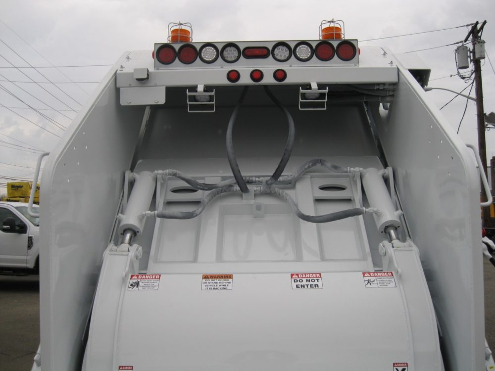 New Way Trash Truck 2 - Garbage & Refuse Trucks