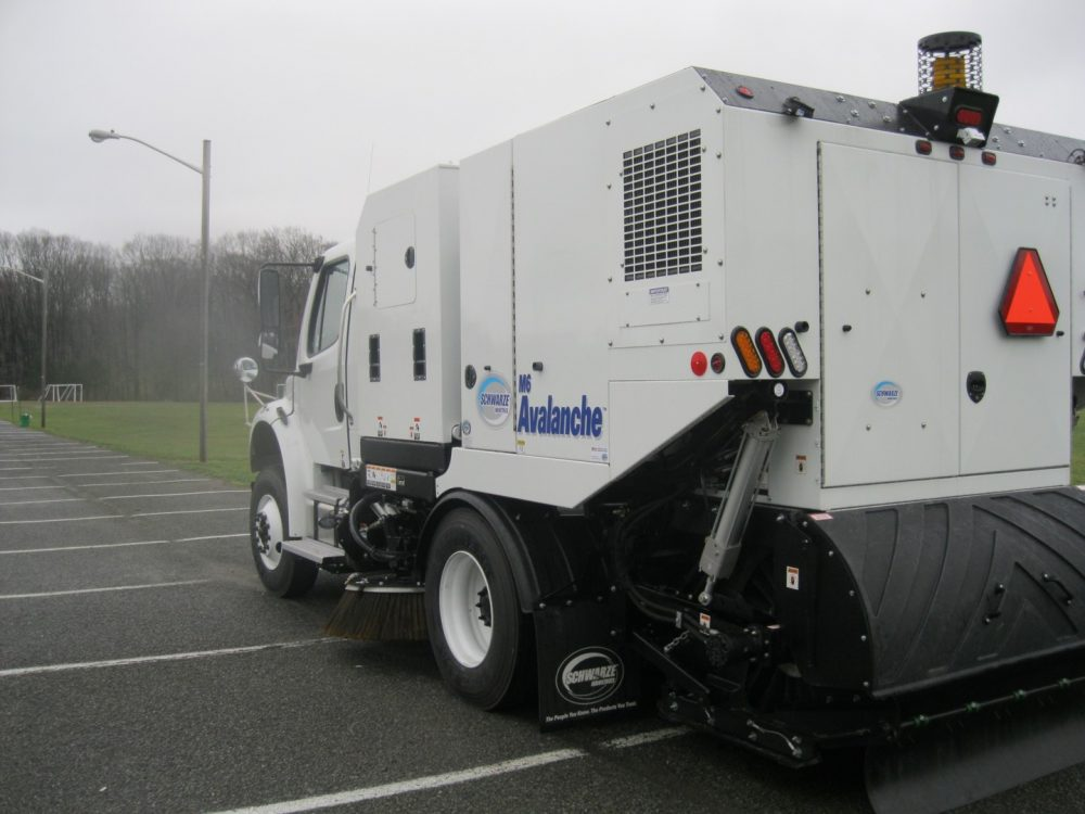 Schwarze M6 Avalanche 4 - Sweepers