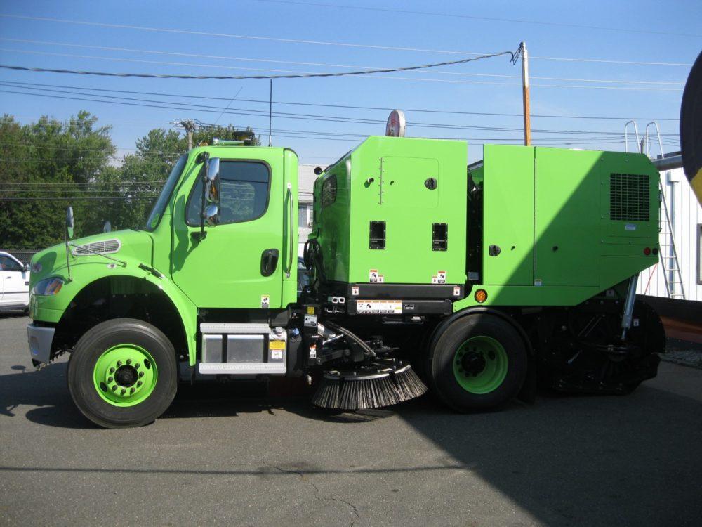 Schwarze M6 Avalanche Burlington County 3 - Sweepers