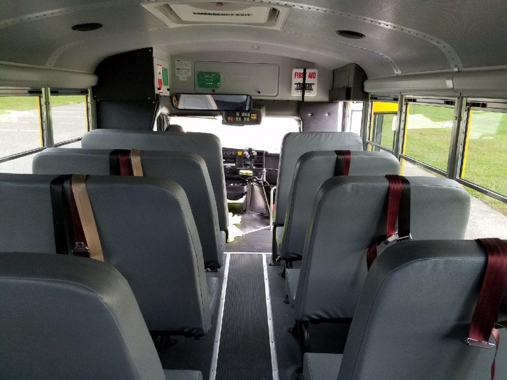 Thomas Bus 13 - Thomas Built Buses